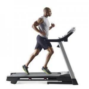 guy running on 505 treadmill